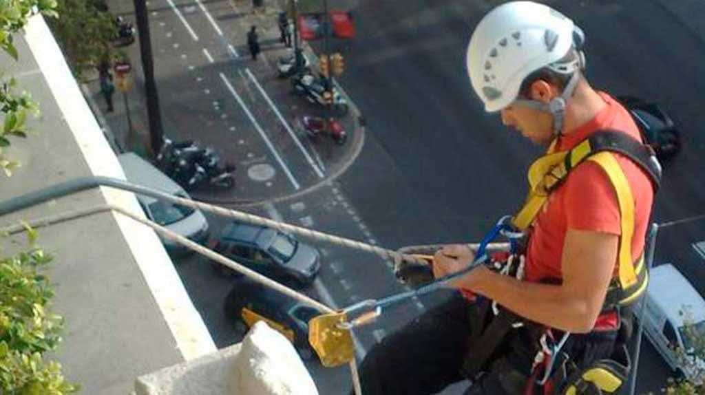 trabajos en altura en edificios de Barcelona