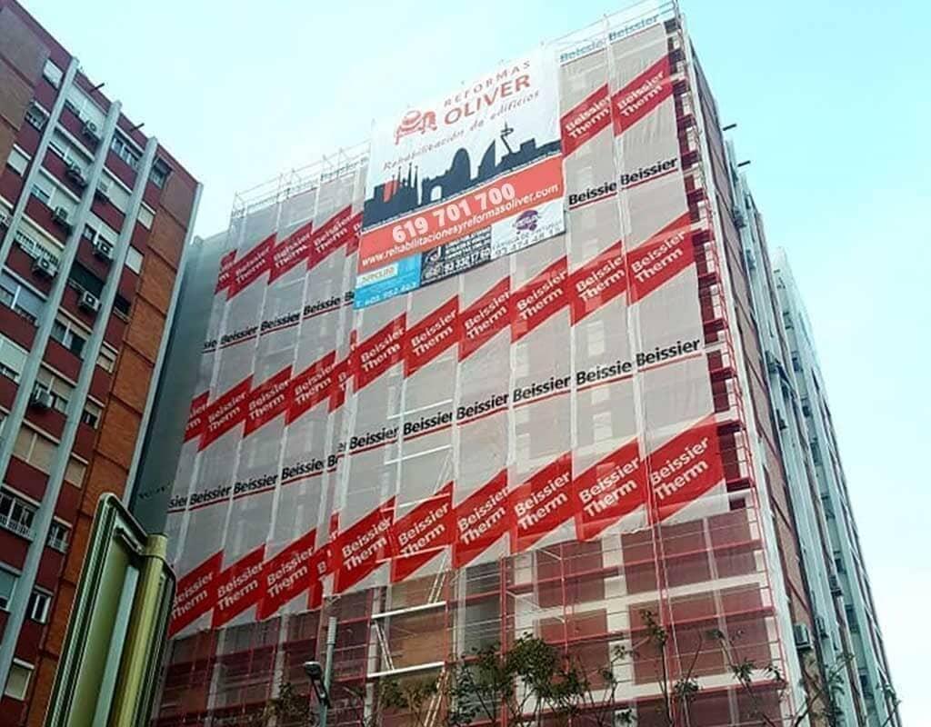 Reforma y restauración de fachada en Barcelona
