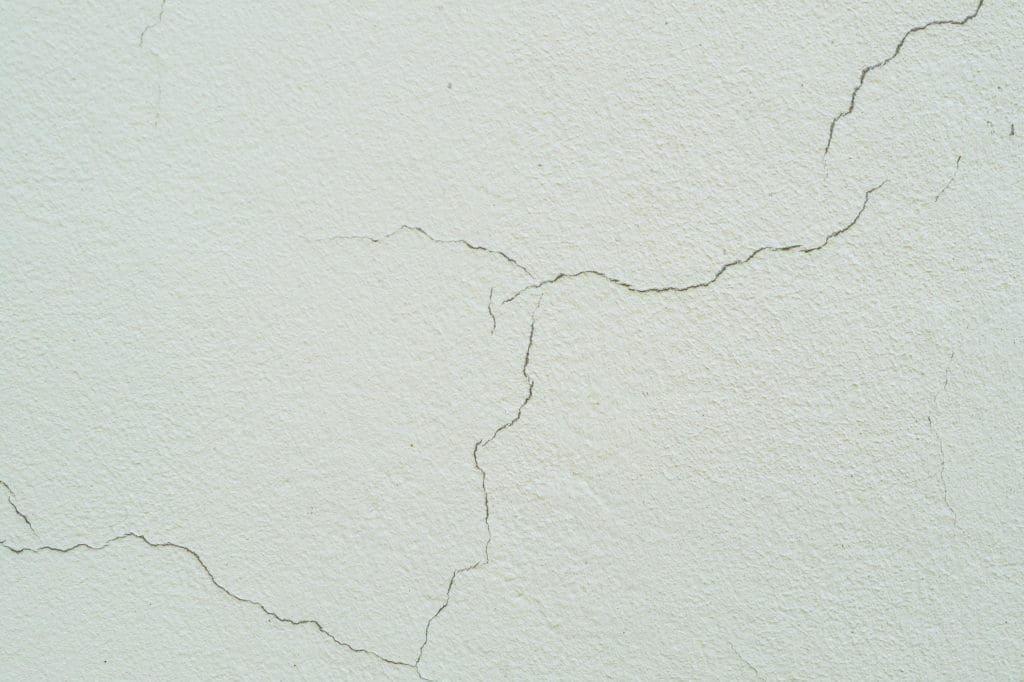 arreglar fisuras en las fachadas de edificios